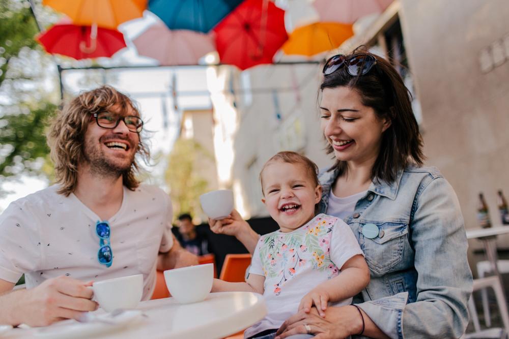 Sesja rodzinna w kawiarni i na plaży, Warszawa